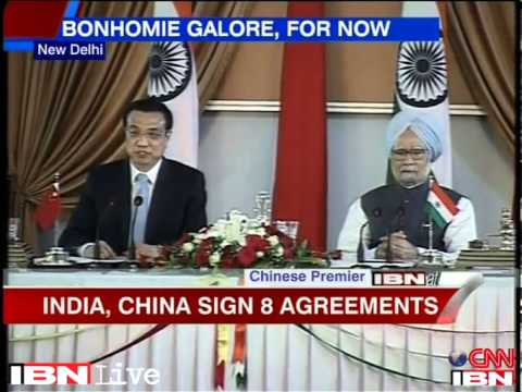 Chinese Premier Li Leqiang and Indian PM Manmohan Singh face the press after talks in New Delhi last year.