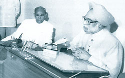Manmohan Singh giving an interview after presenting the 1991 budget.